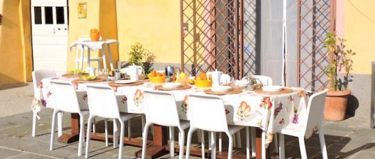 Garden breakfast Casale Fedele B&B Ronciglione Tuscia Lazio Viterbo
